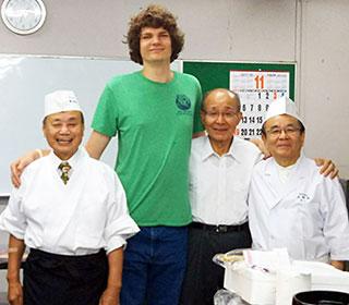 寿司職人さんと記念写真